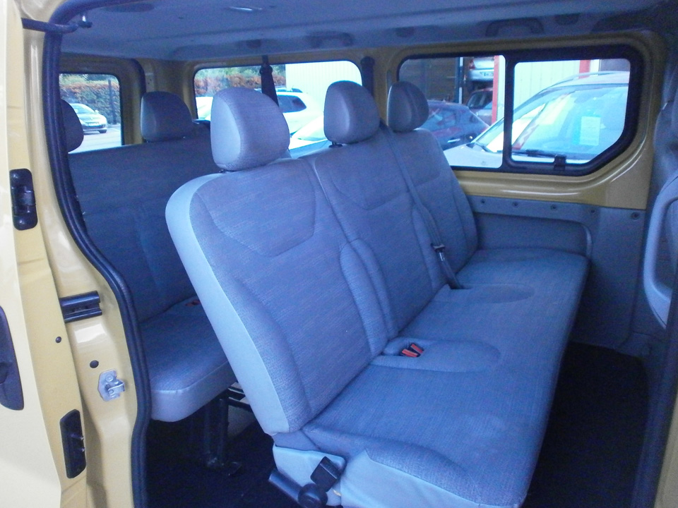 occasion renault trafic passenger l2h1 dci 90 authentique jaune diesel nos occasions entre. Black Bedroom Furniture Sets. Home Design Ideas