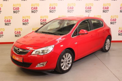Voiture occasion OPEL ASTRA 1.7 CDTI110 FAP Cosmo Rouge Diesel Nimes Gard