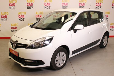 Voiture occasion RENAULT SCENIC 3 1.5 DCI 110 AUTHENTIQUE Blanc Diesel Nimes Gard