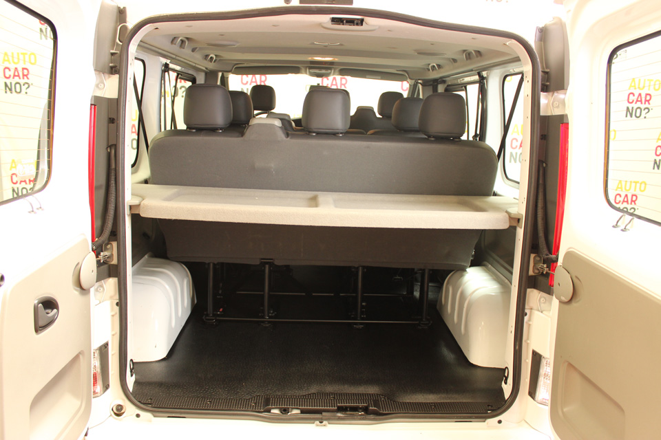occasion renault trafic 2 passenger passenger expression. Black Bedroom Furniture Sets. Home Design Ideas