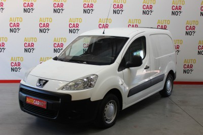 Voiture occasion PEUGEOT PARTNER 2 FOURGON TOLE PACK CD CLIM 120 L1 1.6 HDI 75 BLANC Diesel Arles Bouches du Rhône