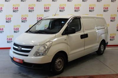 Voiture occasion HYUNDAI H1 VAN 2.5 CRDI 170 3PL BLANC Diesel Nimes Gard