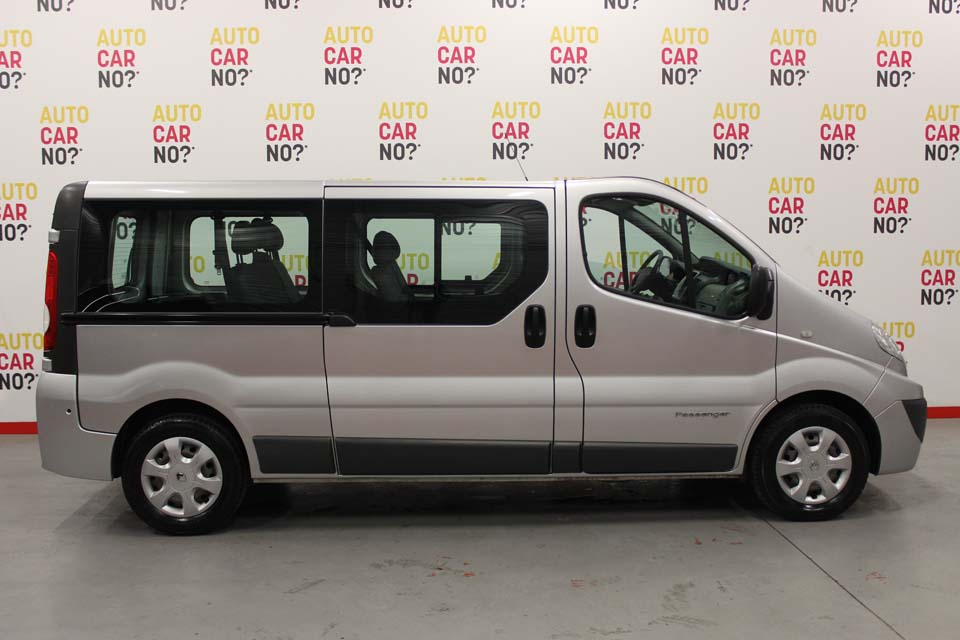 renault trafic passenger occasion. Black Bedroom Furniture Sets. Home Design Ideas