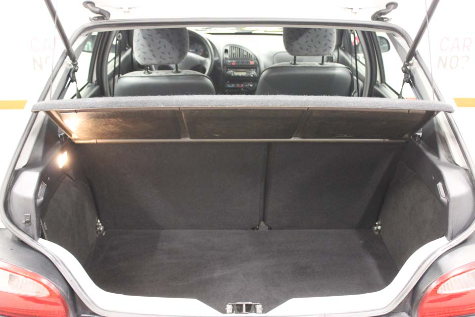 occasion citroen saxo 1 5 d 5p blanche diesel montpellier. Black Bedroom Furniture Sets. Home Design Ideas