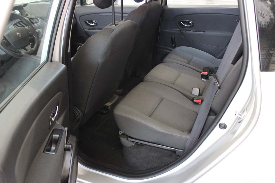 occasion renault scenic 3 1 5 dci 95 authentique eco2 gris diesel montpellier nos occasions. Black Bedroom Furniture Sets. Home Design Ideas