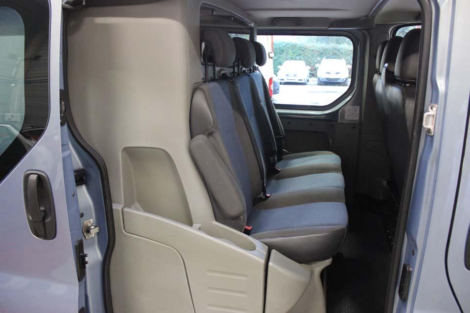 occasion renault trafic 2 cabine approfondie extra l1h1 1000kg 2 0 dci 115 gris diesel nimes. Black Bedroom Furniture Sets. Home Design Ideas