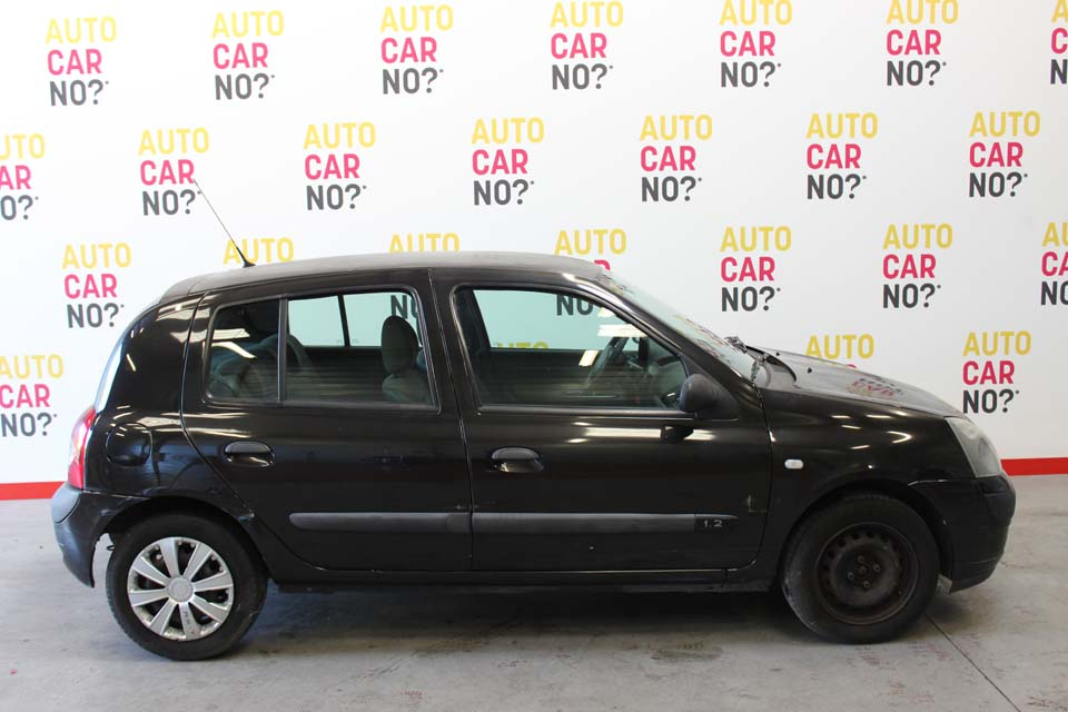 renault clio 2 occasion 2002 renault clio ii 1 5 dci 65 related infomation specifications weili. Black Bedroom Furniture Sets. Home Design Ideas