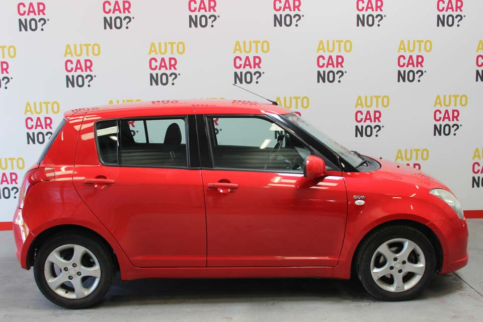 occasion suzuki swift 2 1 3 ddis 70 glx 5p rouge diesel arles 8750 auto car no. Black Bedroom Furniture Sets. Home Design Ideas
