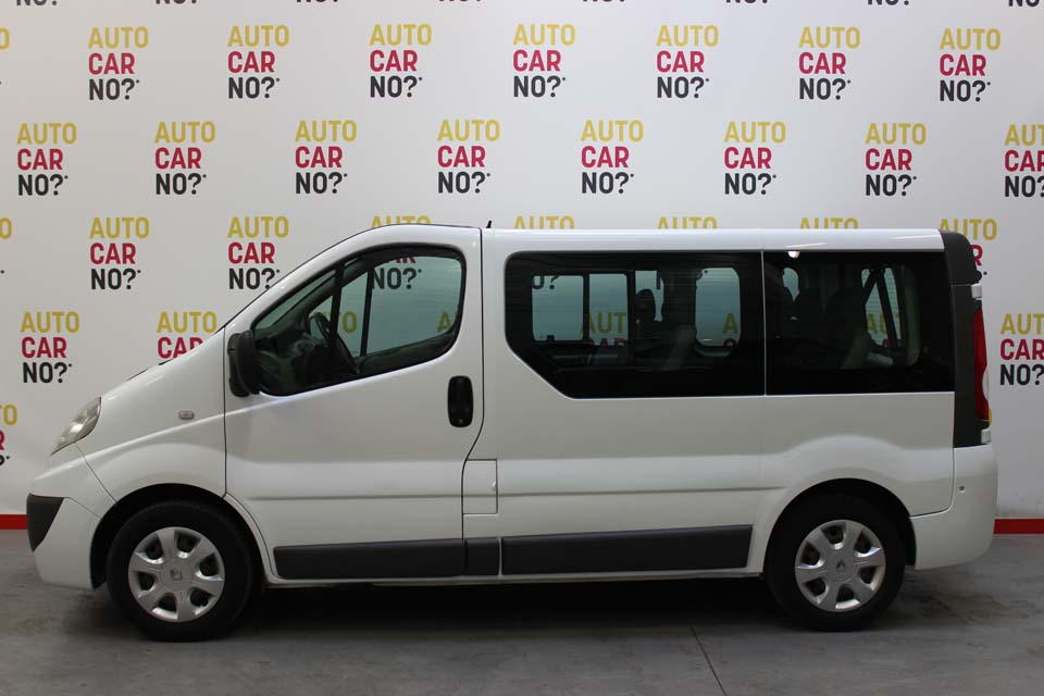 occasion renault trafic 2 passenger 2 5 dci 145 expression l1h1 1000kg blanc diesel avignon. Black Bedroom Furniture Sets. Home Design Ideas