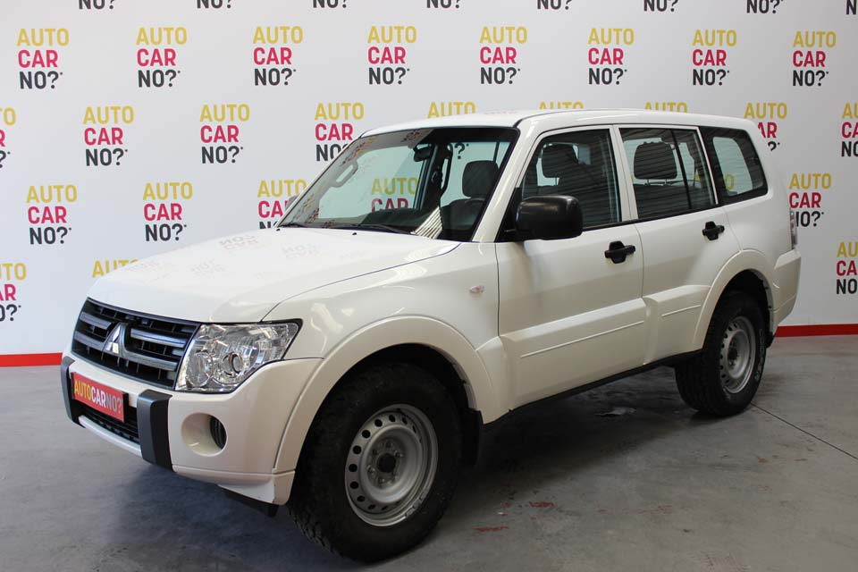 occasion mitsubishi pajero 3 2 di d 160 cv blanc diesel. Black Bedroom Furniture Sets. Home Design Ideas