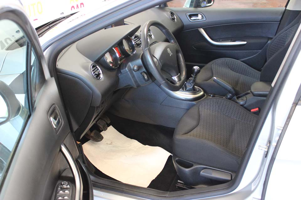 occasion peugeot 308 1 6 e hdi 112 fap allure bvm6 gris diesel nimes 9124 auto car no. Black Bedroom Furniture Sets. Home Design Ideas