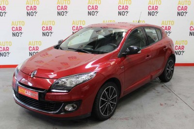 Voiture occasion RENAULT MEGANE 3 1.5 DCI 110 ENERGY FAP BOSE EDITION ECO2 ROUGE Diesel Nimes Gard