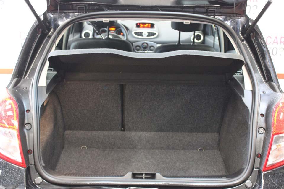 occasion renault clio 3 1 2 16v 75 expression clim 5p euro5 noir essence nimes 9195 auto car no. Black Bedroom Furniture Sets. Home Design Ideas