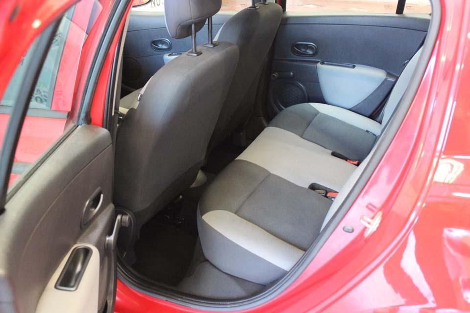 occasion renault clio 3 1 5 dci 70 authentique 5p rouge diesel arles 9202 auto car no. Black Bedroom Furniture Sets. Home Design Ideas