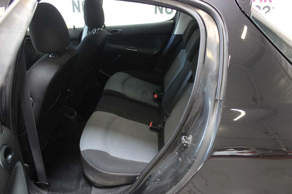 occasion peugeot 206 hdi 70 urban clim noir diesel arles 9504 auto car no. Black Bedroom Furniture Sets. Home Design Ideas