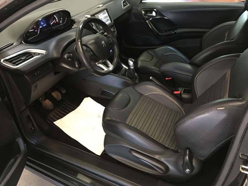 occasion peugeot 208 1 6 e hdi fap 92 allure 3p noir diesel nimes 9473 auto car no. Black Bedroom Furniture Sets. Home Design Ideas