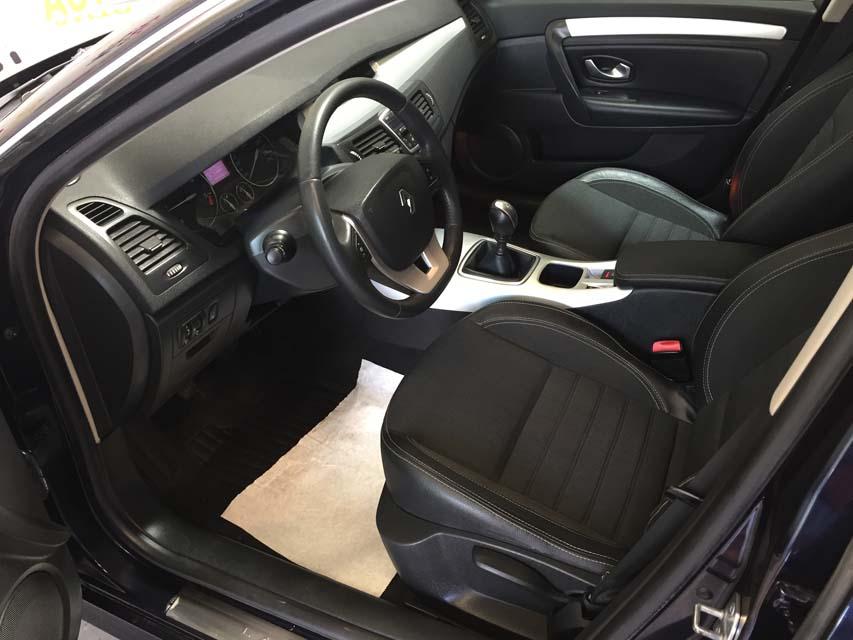 occasion renault laguna 3 2 0 dci 130 dynamique bleu diesel nimes 9465 auto car no. Black Bedroom Furniture Sets. Home Design Ideas