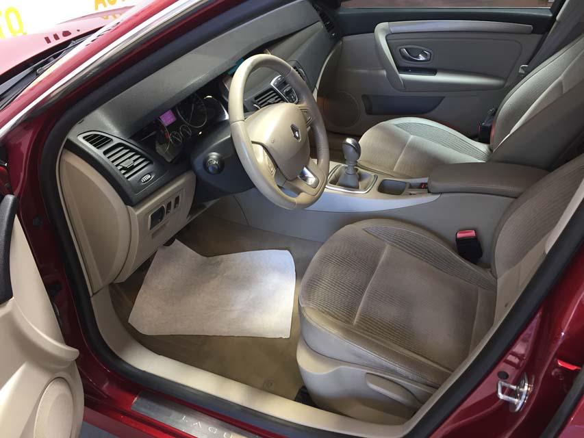 occasion renault laguna 3 estate 1 5 dci 110 privilege rouge diesel arles 9455 auto car no. Black Bedroom Furniture Sets. Home Design Ideas