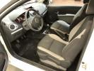 Voiture occasion RENAULT CLIO 3 SOCIETE AIR 1.5 DCI 75 ECO2 BLANC Diesel Nimes Gard #6