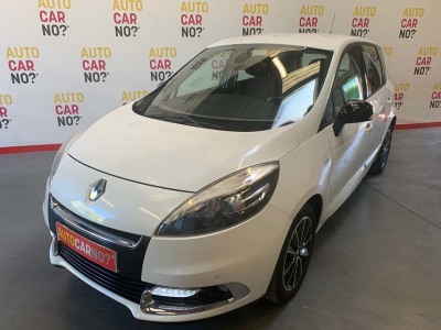 Voiture occasion RENAULT SCENIC 3 1.5 DCI 110 ENERGY BOSE ECO2 BLANC Diesel Alès Gard
